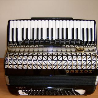 Acordeon Hohner Atlantic 4